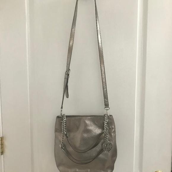 53f53df2db08d9 Michael Kors Bags | Jet Set Chain Medium Messenger Nickel | Poshmark